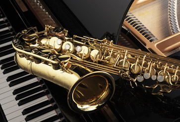 Alto Saxophone on Grand Piano Wallpaper